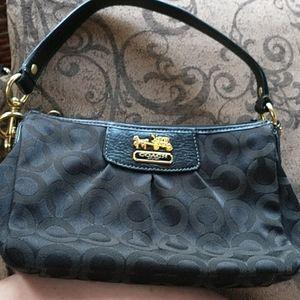 COACH 🐎 Beautiful Signature Wristlet / Handbag